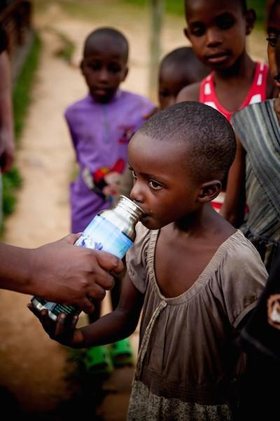 Rwanda Nikole Lim - Children in the Community